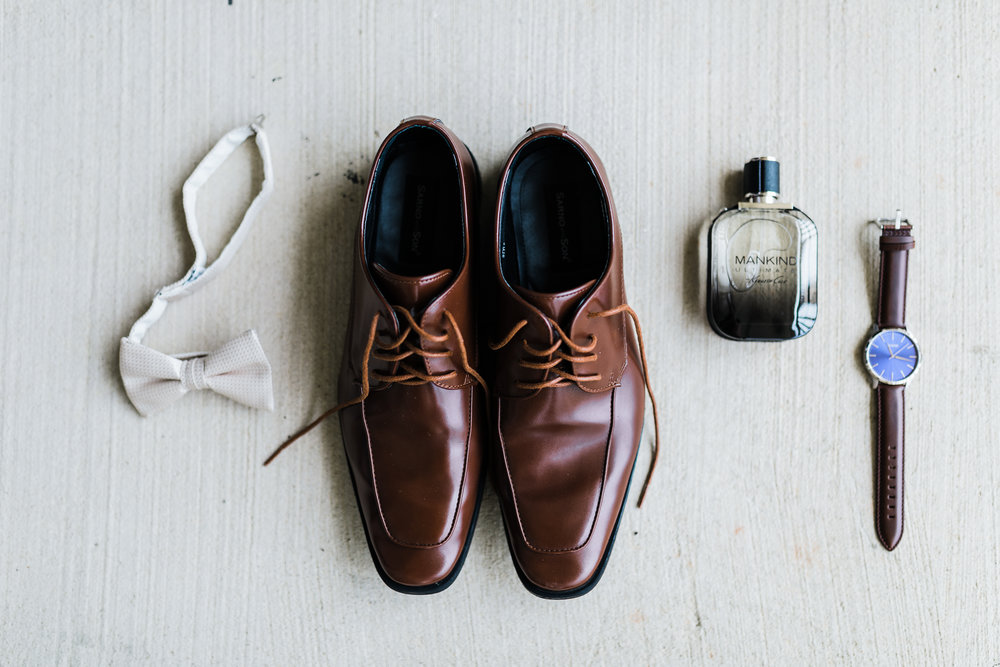 groom's shoes wedding md