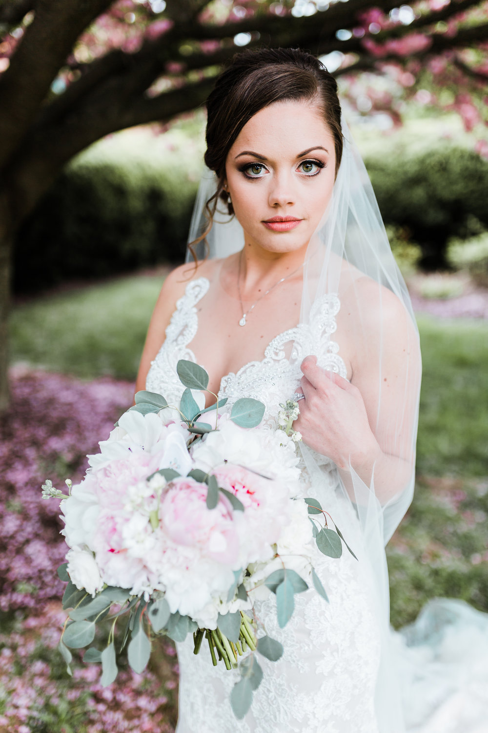 gorgeous bride on her wedding day - bridal portraits