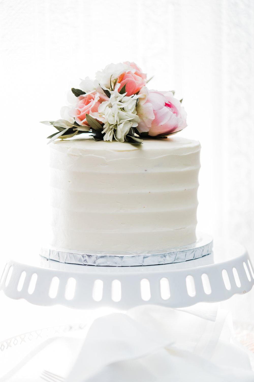 wedding cake maryland wedding photographer