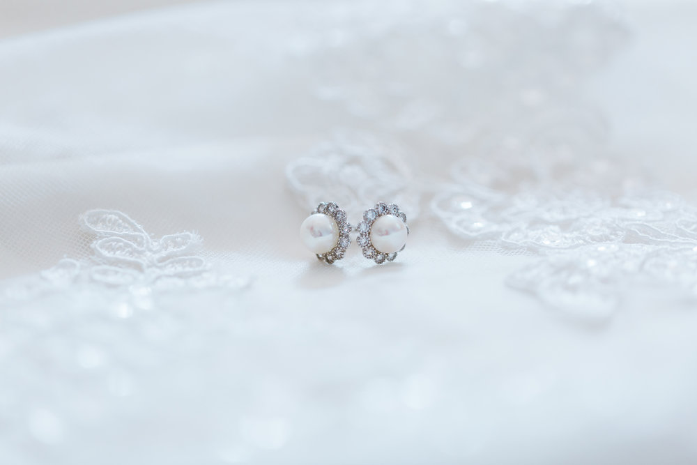 maryland bridal details - pearl bride earrings - best maryland wedding photographer