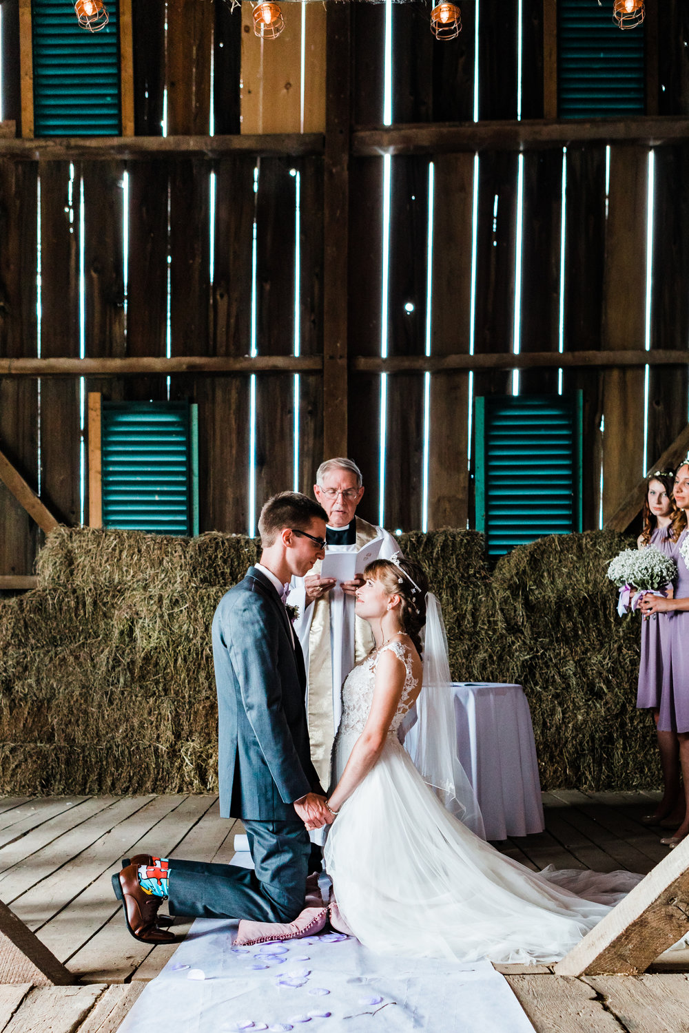 non traditional wedding ceremony ideas - maryland wedding - barn venues in maryland