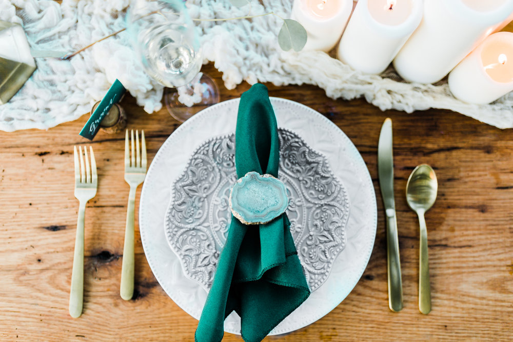 bohemian wedding ideas and inspo - agate napkin ring - gold flatware - wedding place setting - romantic wedding inspo - maryland wedding photographer