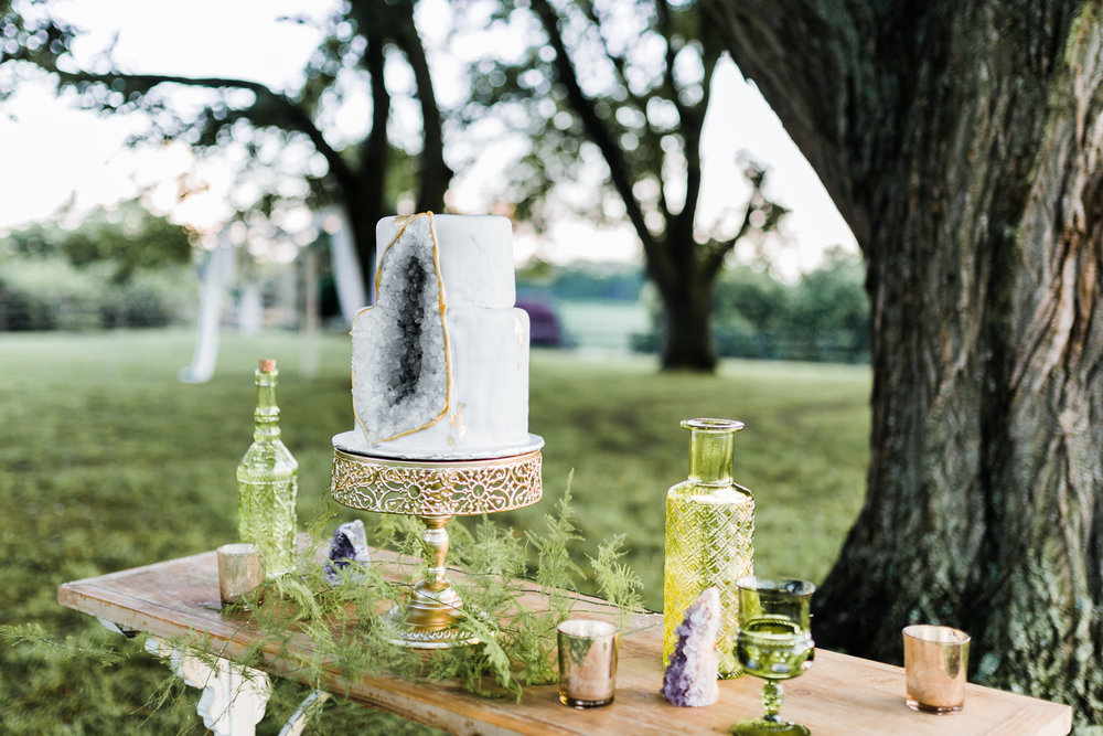 gray geode cake - bohemian wedding cake - boho wedding ideas - maryland wedding photo and video