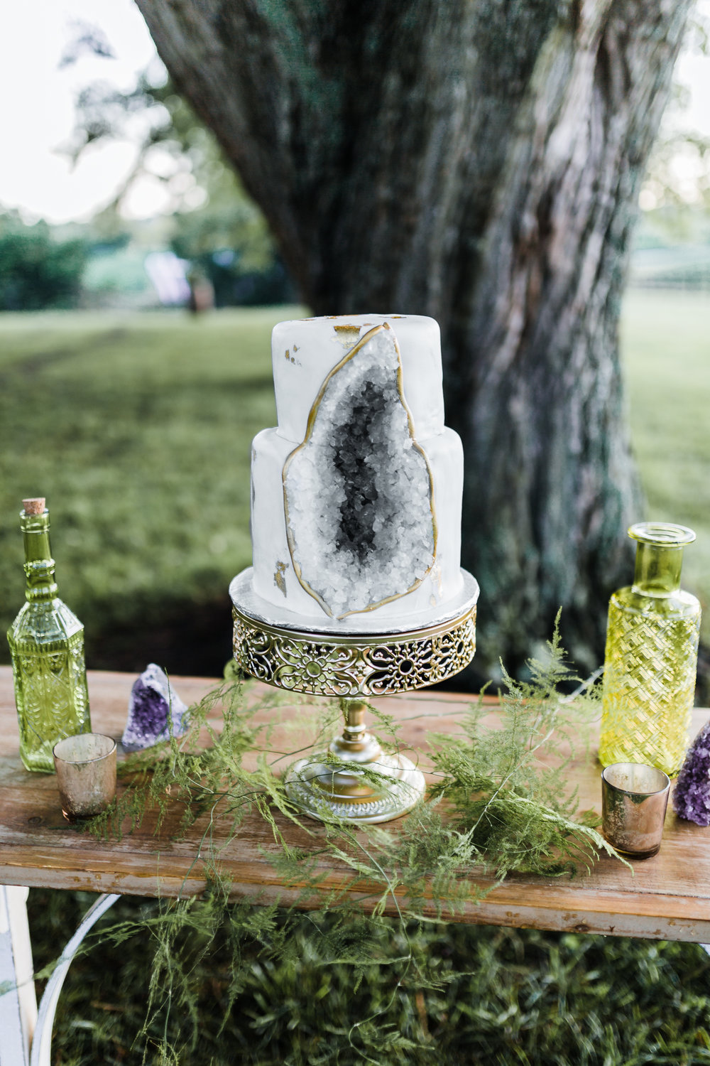 agate and gold boho wedding - geode cake - Once Upon A Crumb Bakery - amethyst wedding details