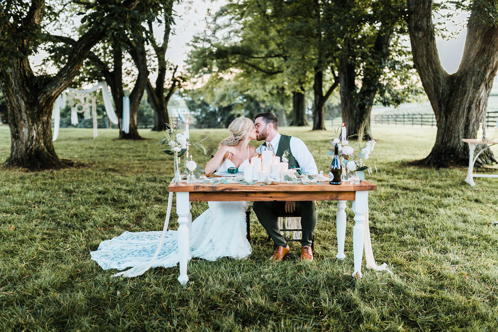 bride and groom kissing - styled shoot - carroll county md wedding venues - best maryland wedding photographer