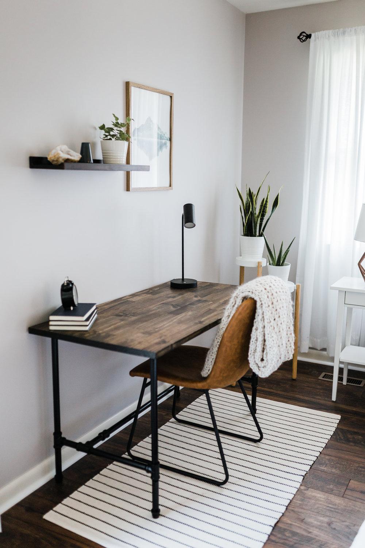 black piping and wood custom desk - bohemian boudoir studio in maryland - best md boudoir photographer