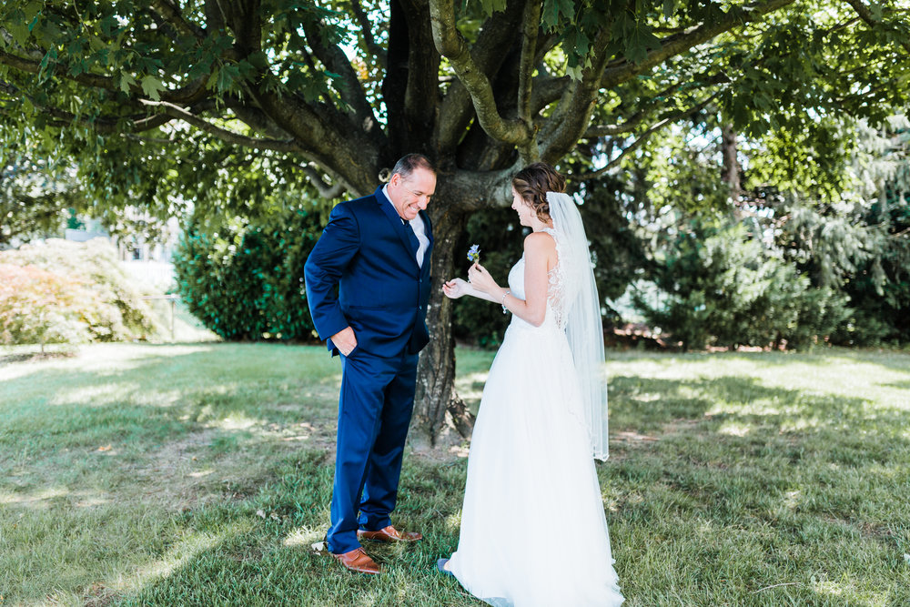 maryland wedding photographer - brides first look with her dad