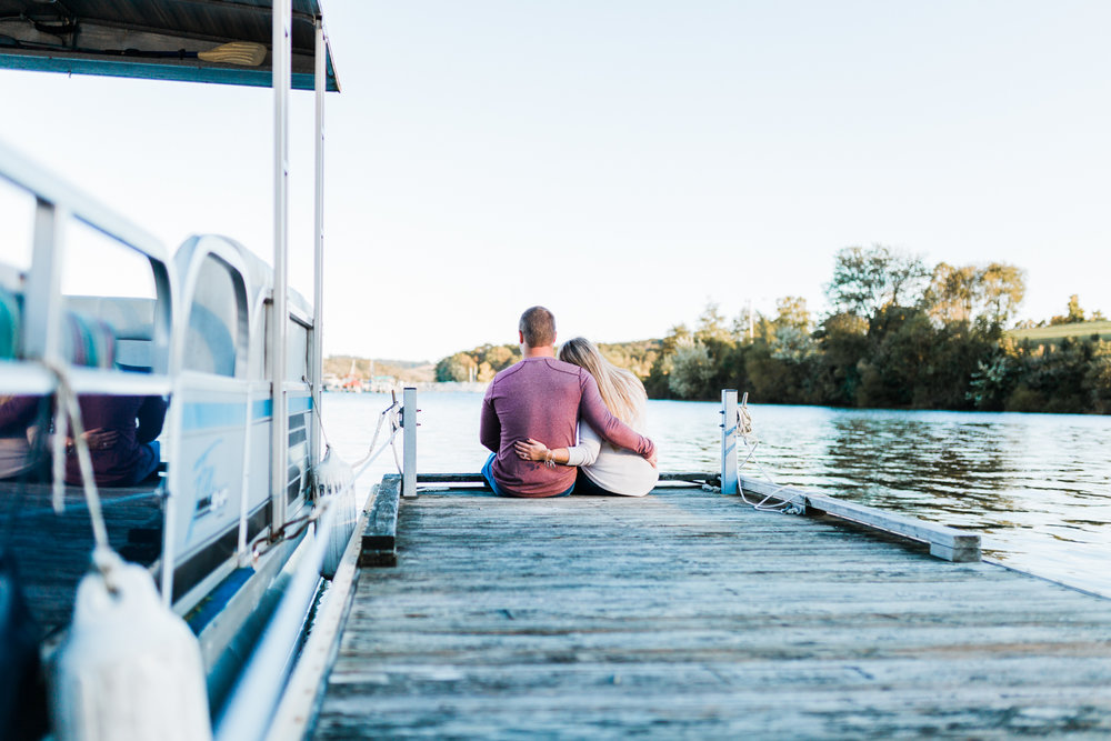 Pennsylvania engagement session - lake engagement ideas and inspo