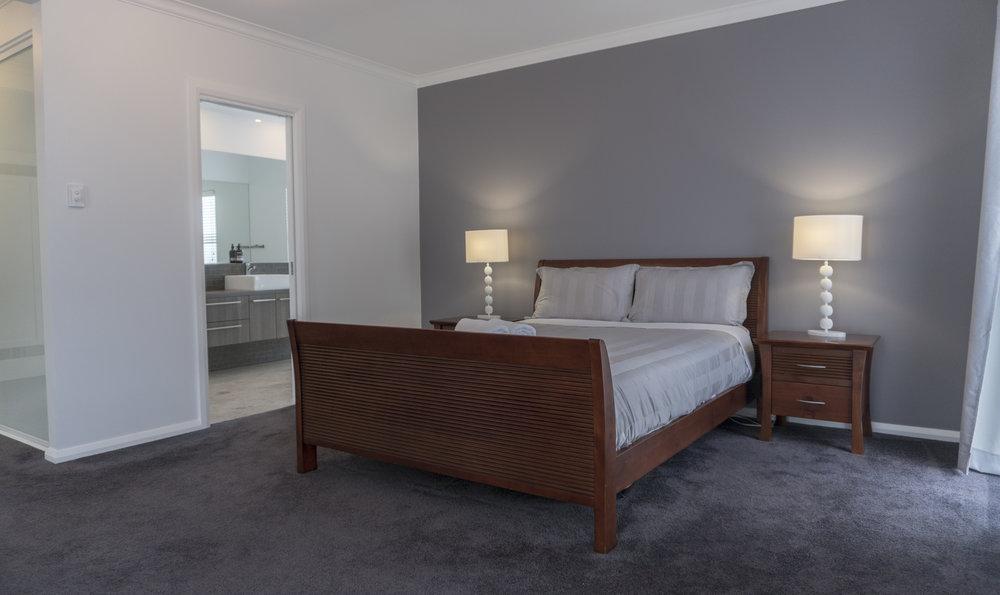 O&E MASTER BED.jpg