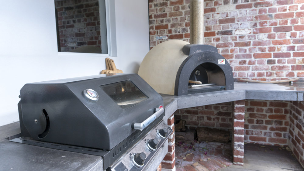 O&E PIZZA OVEN AND BBQ.jpg