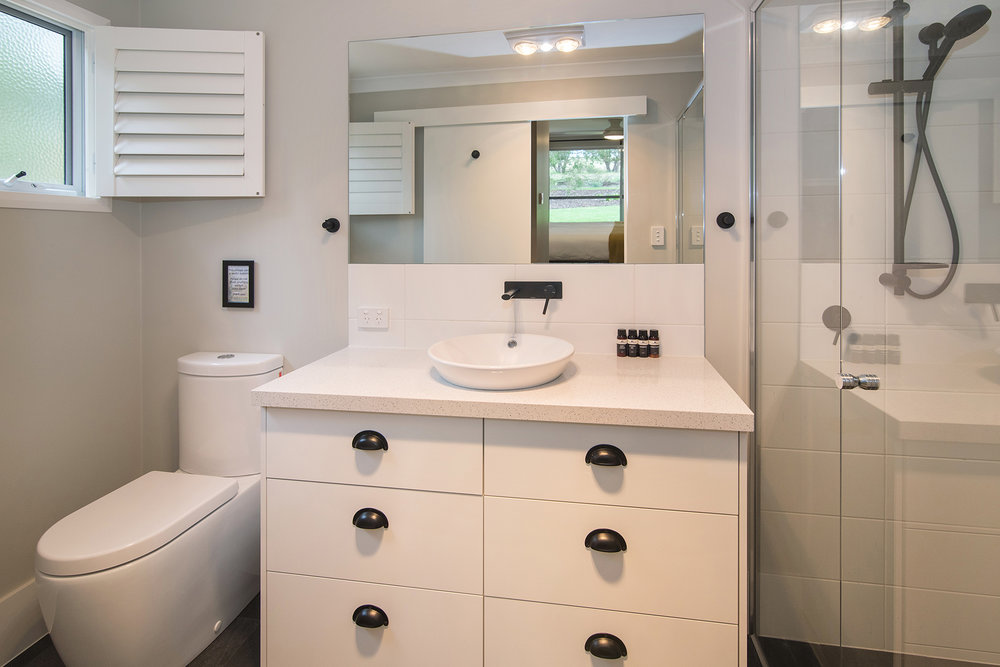 Shower bathroom.jpg