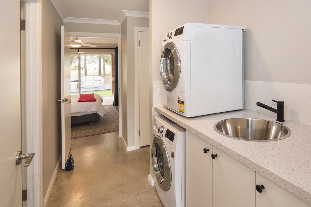 laundry bedroom.jpg