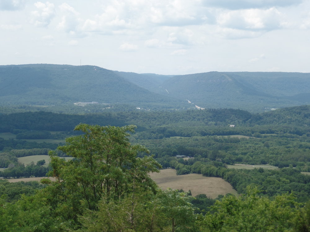The Sequatchie Valley - History, nature and adventure come together in one of Tennessee's most scenic valleys.