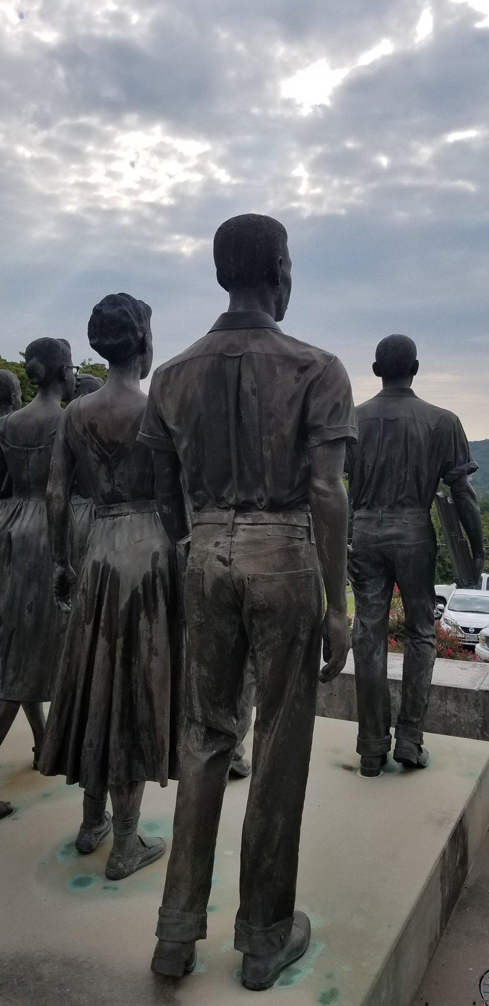 Clinton 12 Statues