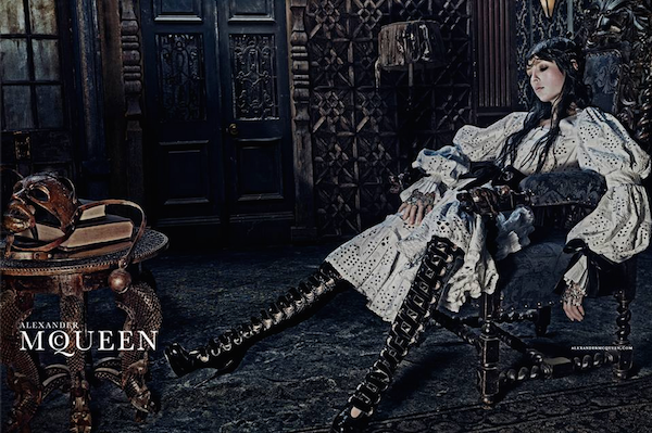 alexander-mcqueen-fall-2014-ad-campaign.png
