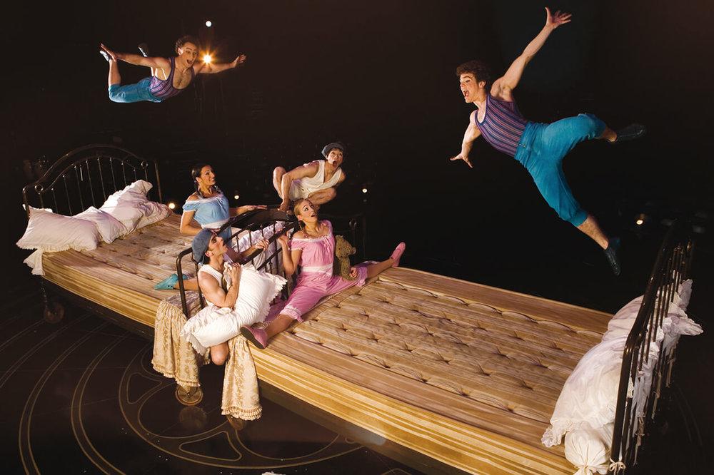 corteo-act-bouncing-beds-trampoline.jpg