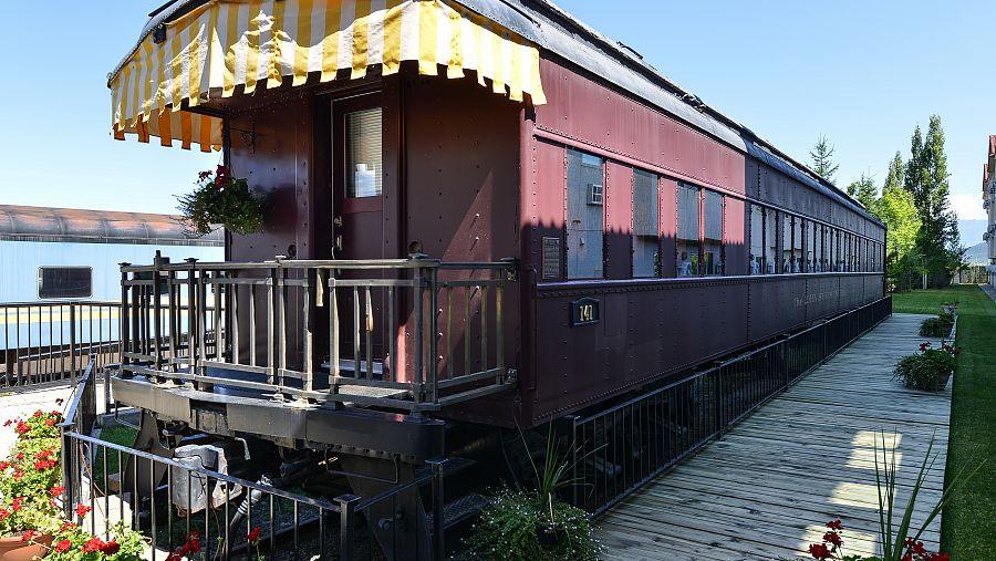 Prestige Cranbrook - Crystal Railcar (3) - Copy.jpg