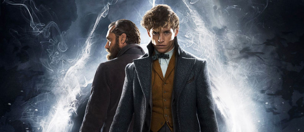 gallery-1540984483-fantastic-beasts-crimes-of-grindelwald-newt-dumbledore-poster.jpg