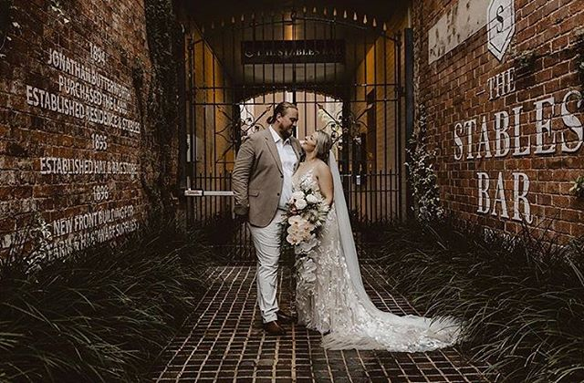 • ALL ABOUT THESE TWO • The perfect mix of tone + texture plus those epic cascading orchids for my honey @ashcashrash 🖤 Capture by @stevie.elle 🖤