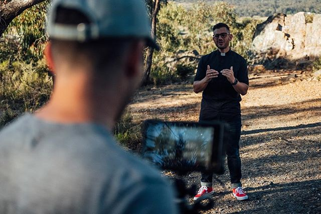 More from filming with @frrobgalea last week for an upcoming music video. Taking advantage of that beautiful morning light to get some awesome visuals. #aquiestoy 📸 @levi_ingram