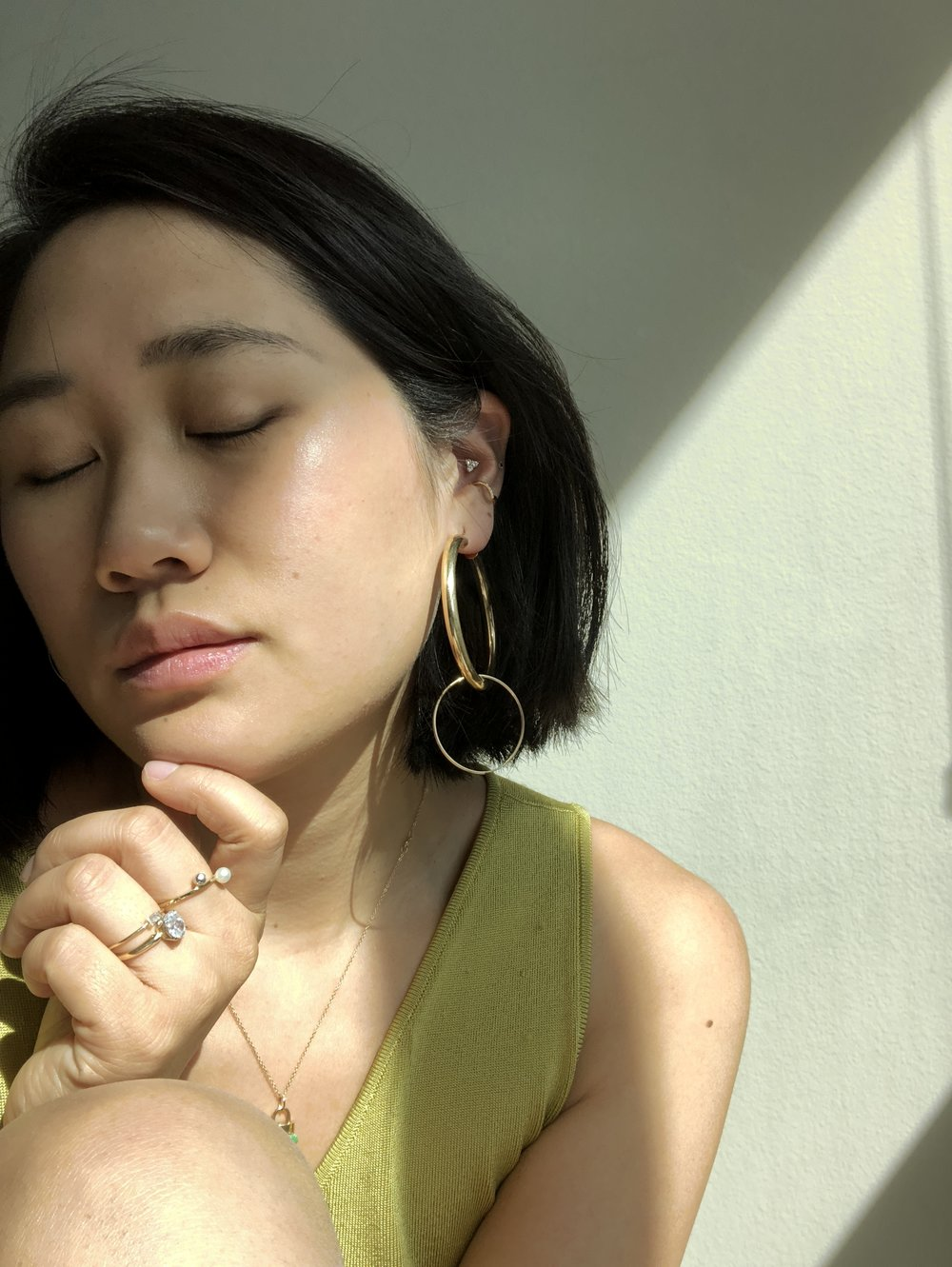 Ali Heiss_how to layer earrings_hoops.JPG