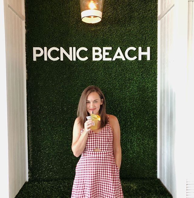 Lookin' like a table cloth and blending in at @picnicbeachal 💯👍🏼 Cutest little place on the coast ❤️
