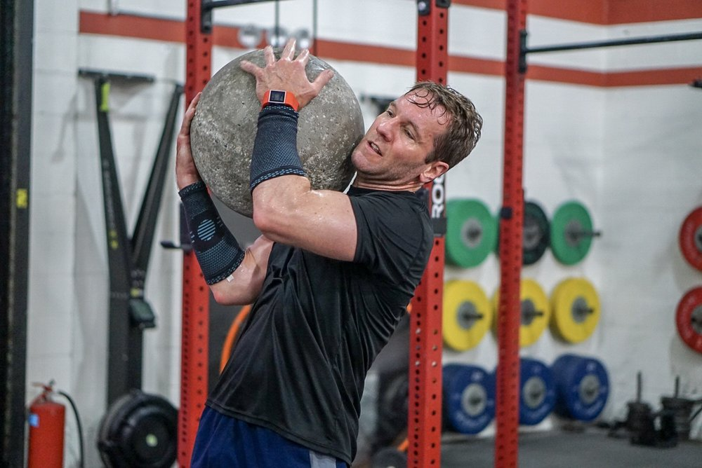 - 4 Rounds10 Front Squat (185/125)50' Farmer Carry5 Push Press (135/95)50' Farmer Carry