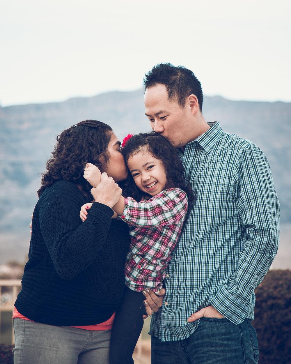 Hsai-Family-2016-5.jpg
