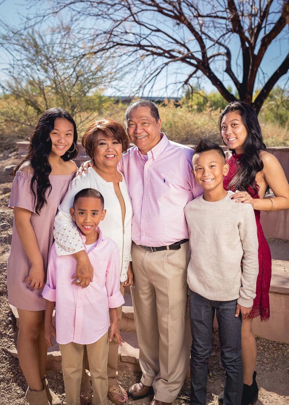 DeGuzman-Family-2017-8.jpg