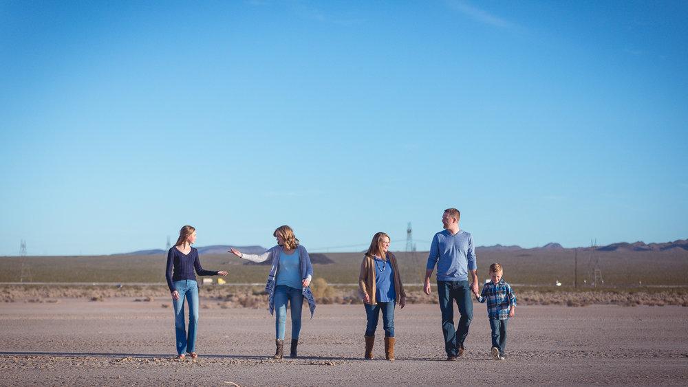 Hutchinson-Family-8.jpg