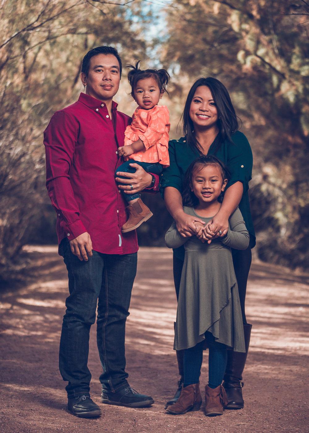 Ursua-Family-2017-1.jpg