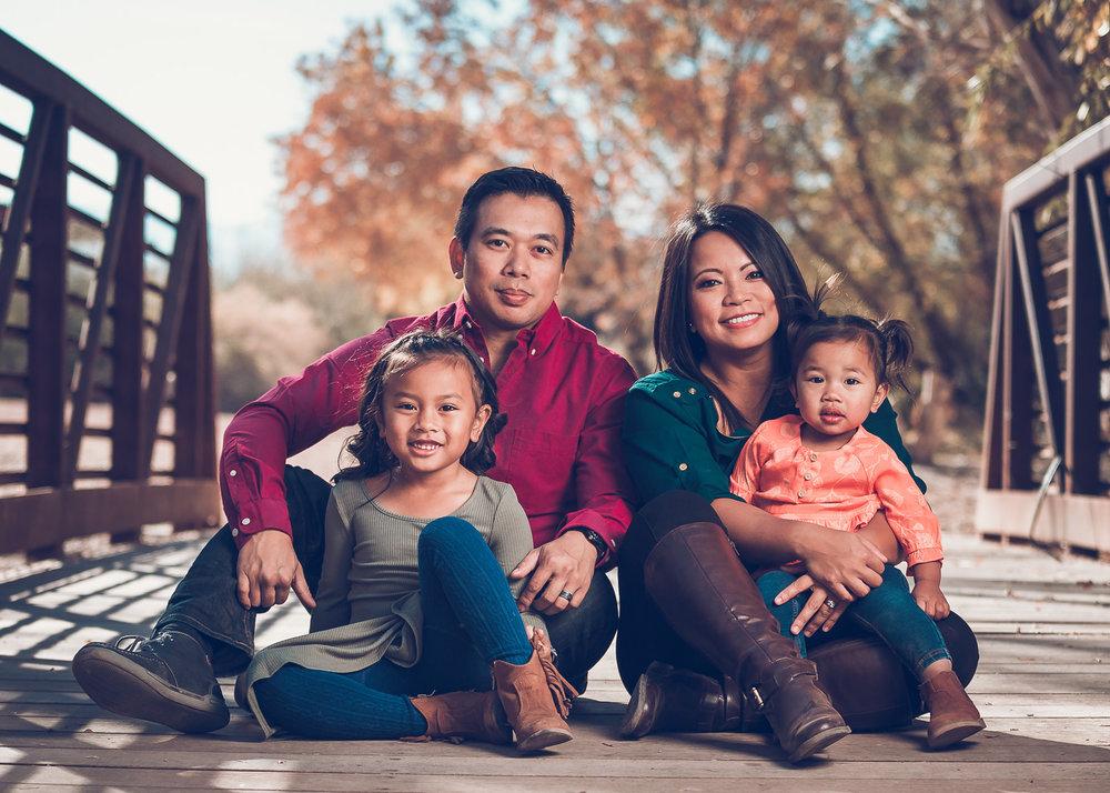 Ursua-Family-2017-3.jpg