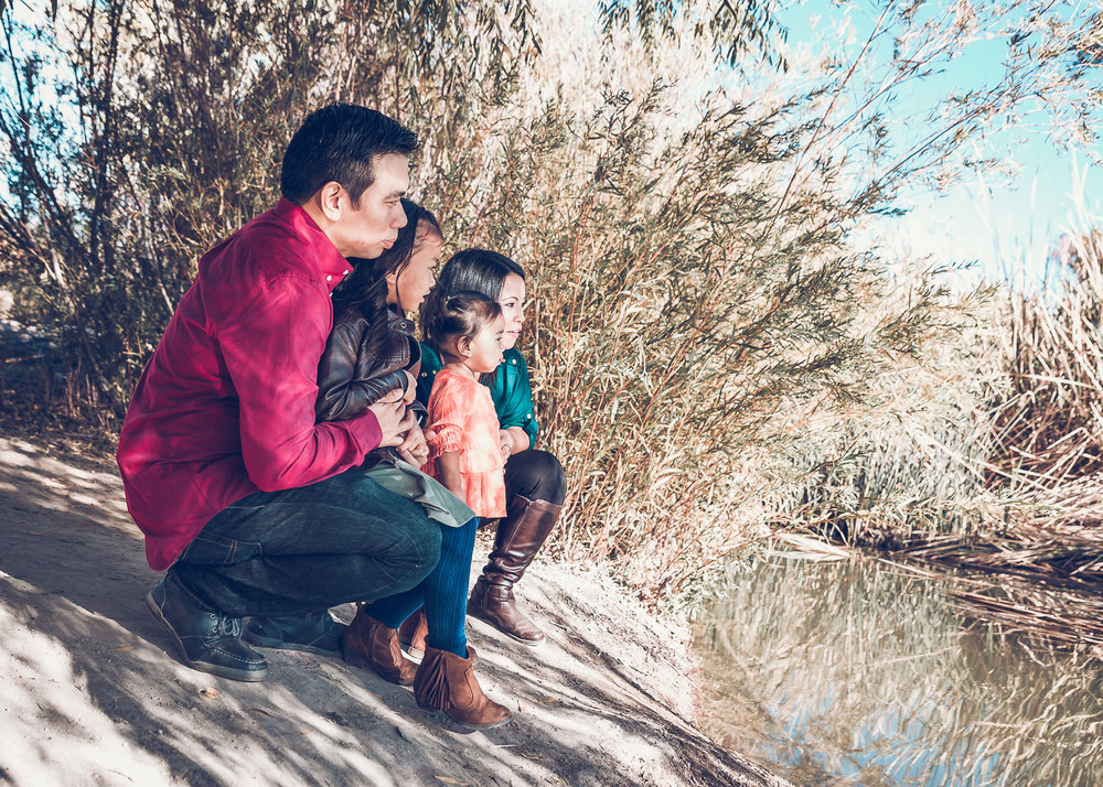 Ursua-Family-2017-5.jpg
