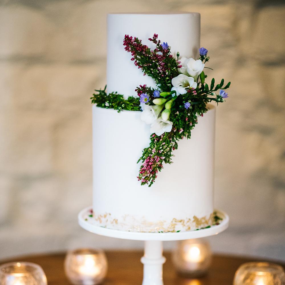 Scottish-wedding-suppliers-wedding-cakes-rosewood-gla.jpg