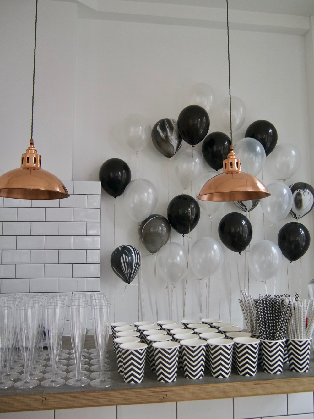Black and white party How to decorate for a black and white theme6.jpg