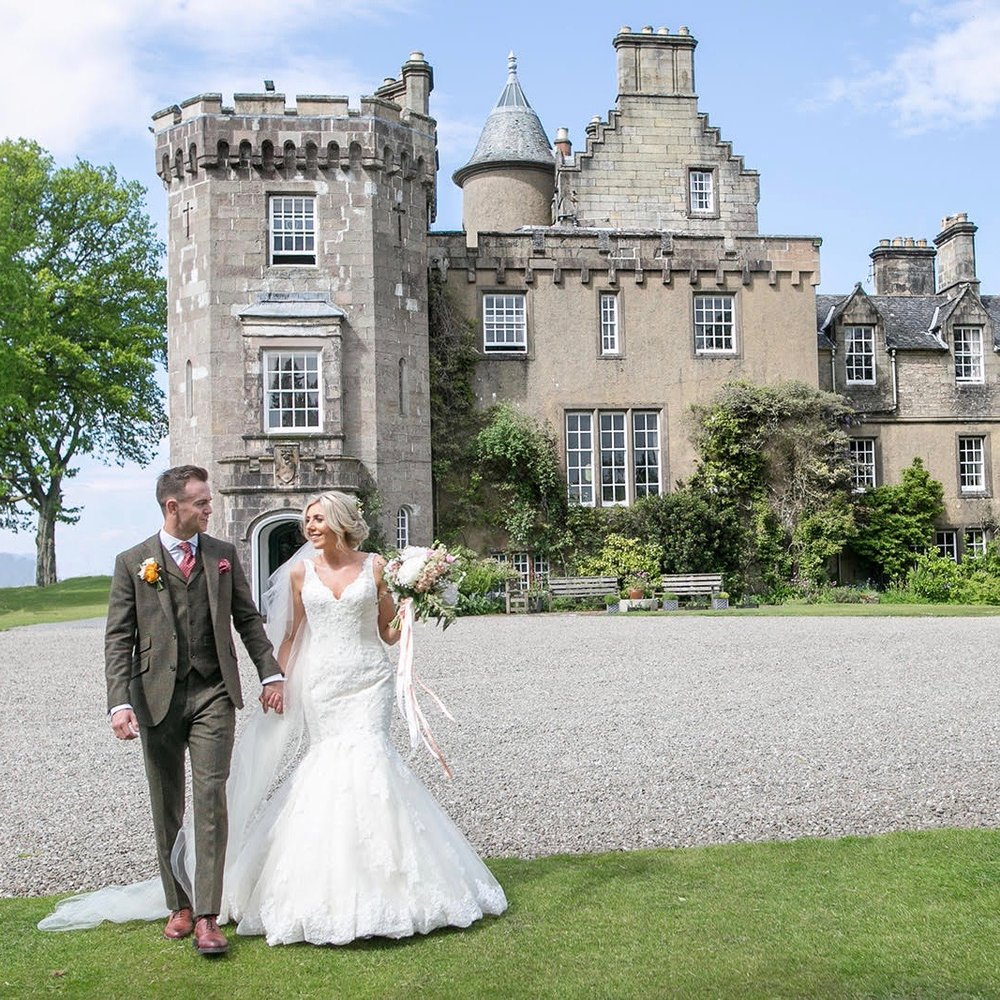 boturich castle scottish wedding venues2.jpg