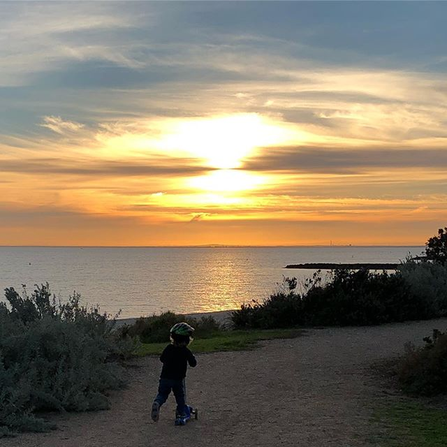 And amongst the fullness in life there are these sweet moments when life slows just enough for you appreciate the greatness - #grateful #lucky #feellikecrying #family #beach #myyogalife #authentic #bayside #livingyoga #holistichealing #stillness #mindbodysoul #mumlife # nourish #thankful #wellness #sunset #fun #mindfulness #mindful #present #beautiful #moments #sweet