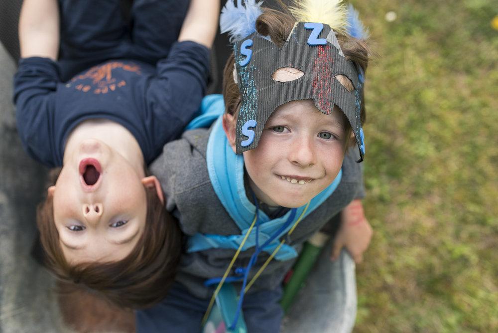 11.kidsinthewheelbarlow_KidsPortfolio_CMP.jpg
