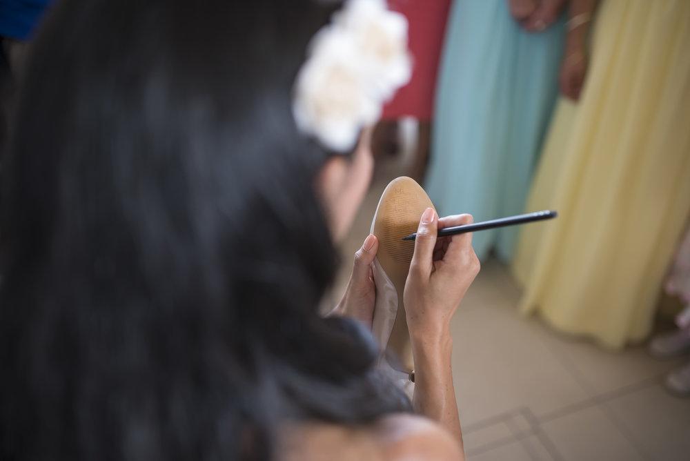 7.brideshoes_weddingPortfolio_CMP.jpg