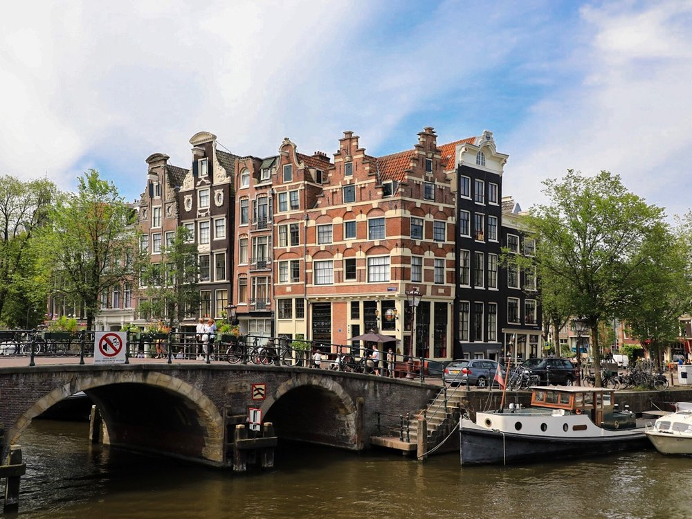 lilywanderlust-amsterdam-brouwersgracht-2017.jpeg
