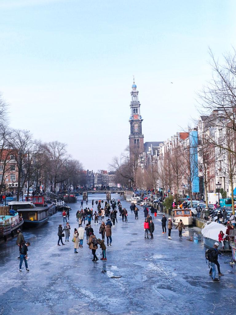 LilyWanderlust-Amsterdam-Frozen-Canals-15.jpg