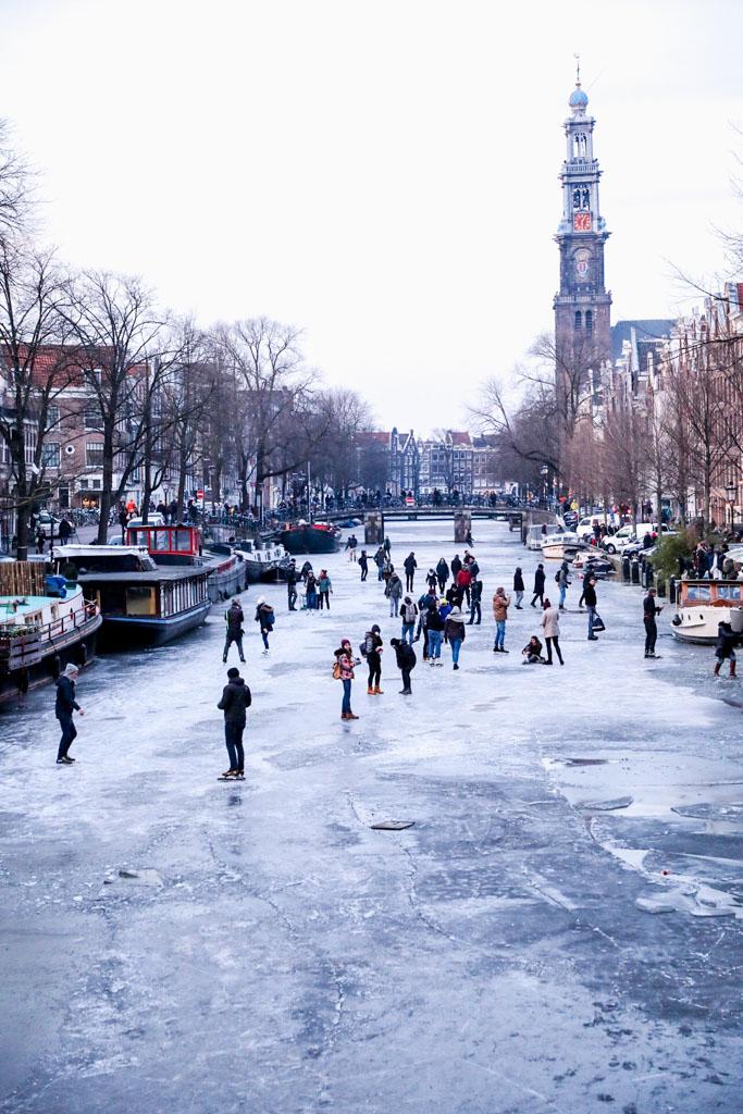 LilyWanderlust-Amsterdam-Frozen-Canals-27.jpg