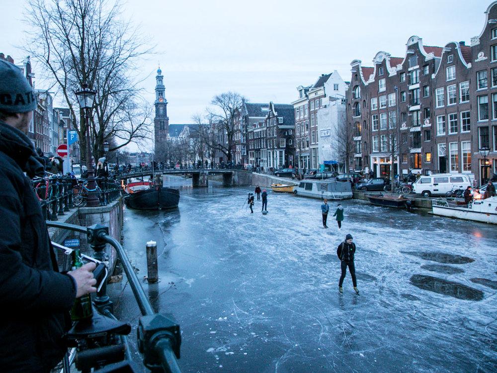 LilyWanderlust-Amsterdam-Frozen-Canals-30.jpg