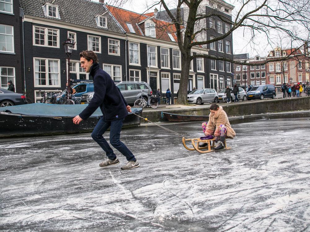 LilyWanderlust-Amsterdam-Frozen-Canals-35.jpg