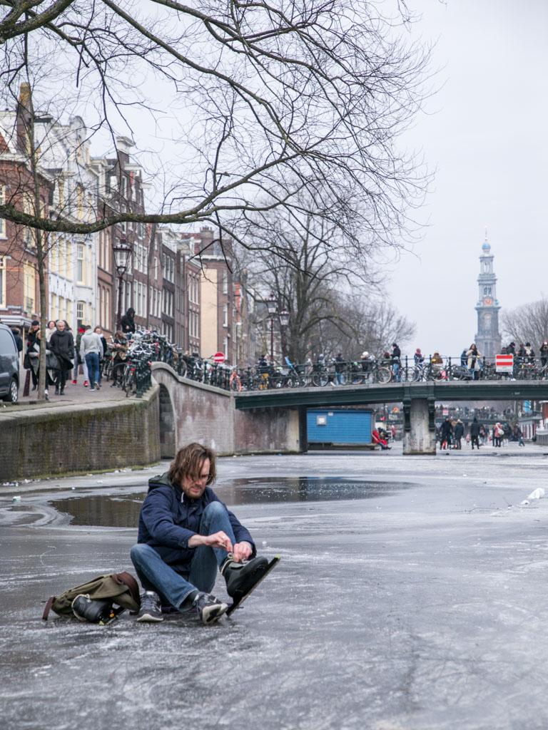 LilyWanderlust-Amsterdam-Frozen-Canals-39.jpg