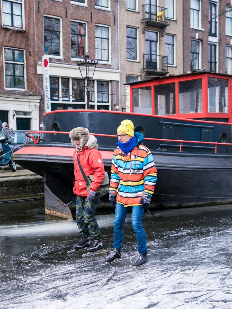 LilyWanderlust-Amsterdam-Frozen-Canals-49.jpg