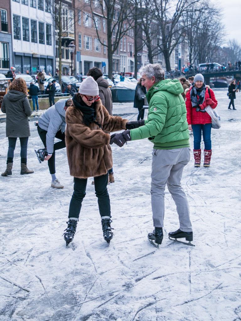 LilyWanderlust-Amsterdam-Frozen-Canals-52.jpg