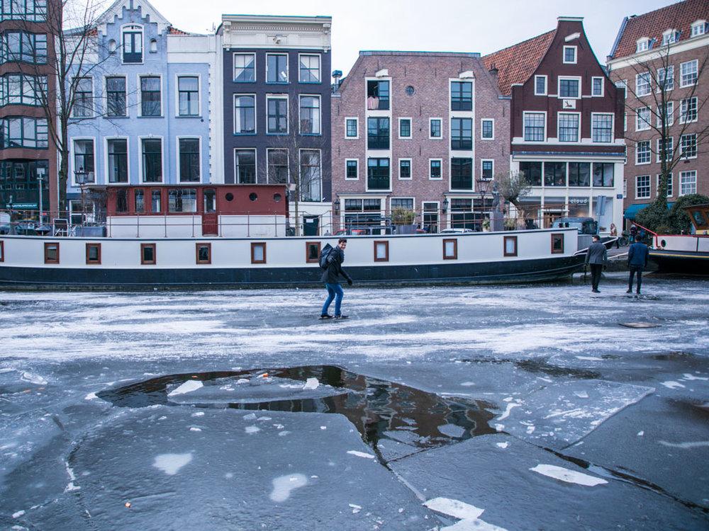 LilyWanderlust-Amsterdam-Frozen-Canals-57.jpg