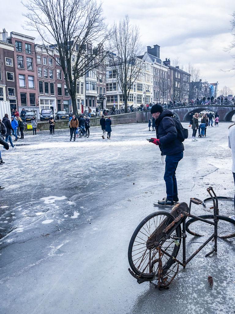 LilyWanderlust-Amsterdam-Frozen-Canals-59.jpg