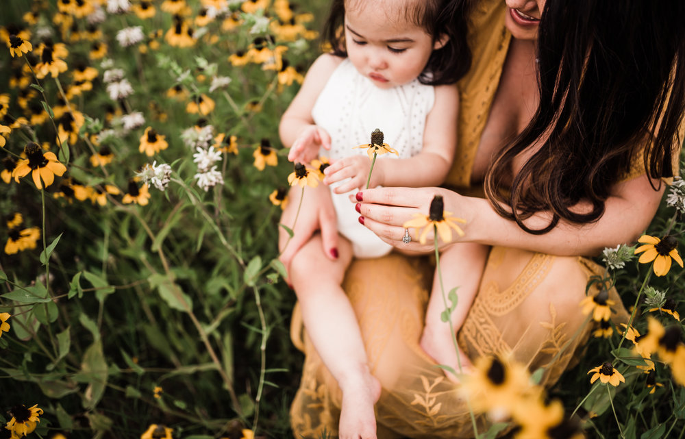 Mother and daughter looking at flowers, Richmond Texas family Photographer, Katy, Texas family photographer, Sweet Nest Photography